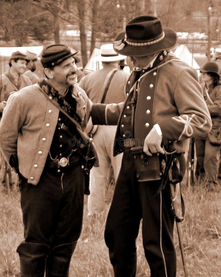 """Buntownik Dowodzi Opowiadać przy Buntowniczym obozowiskiem przy """"Battle Liberty† - Bedford, Virginia zdjęcie royalty free"""