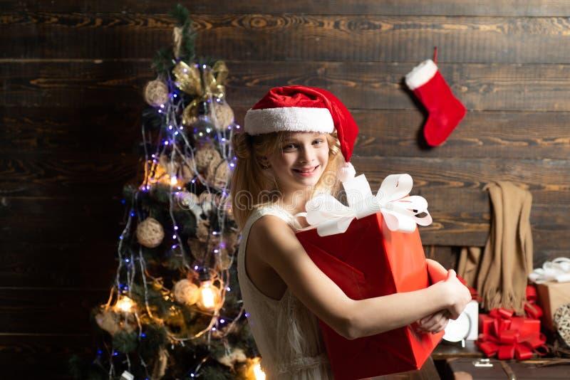 Buon Natale e buone vacanze Natale adolescente Natale, vacanze invernali Carina ragazzina. fotografia stock