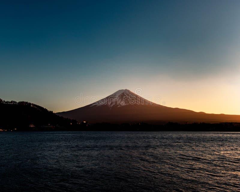 Buona sera il monte Fuji immagine stock