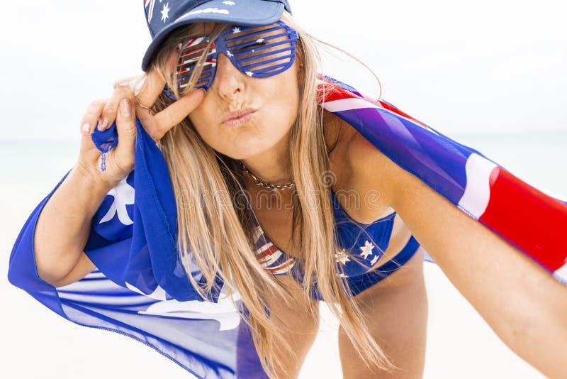 Buona vibrazione di Aussie Womn patriottica, fan di sport o giorno dell'Australia immagine stock