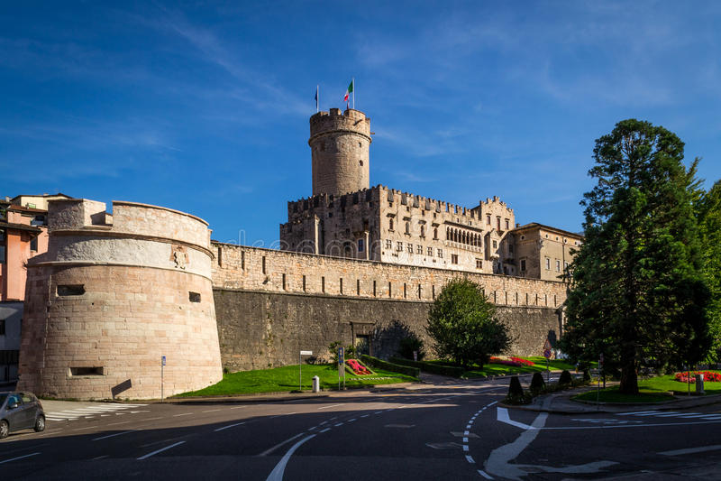 Buonconsiglio Schloss lizenzfreie stockbilder