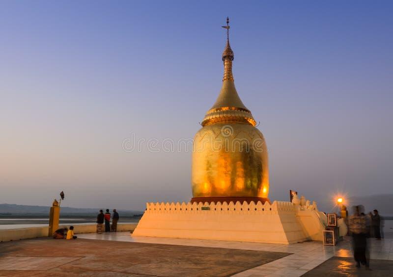Bupaya pagod, Myanmar royaltyfria foton