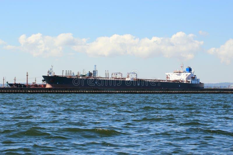 Buque de carga del cargamento en el puerto Gdansk, Polonia. fotografía de archivo libre de regalías
