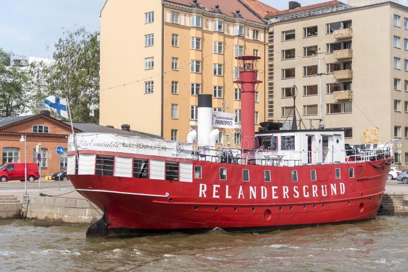 Buque faro jubilado en el puerto del norte Pohjoissatama de Helsinki imagen de archivo libre de regalías