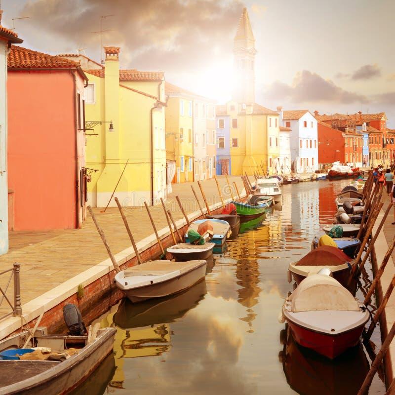 Burano海岛五颜六色的房子在威尼斯,意大利附近的 库存图片