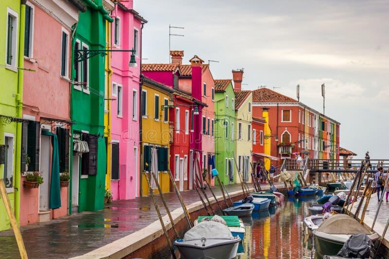 Burano, maisons de pêcheurs près de Venise image libre de droits