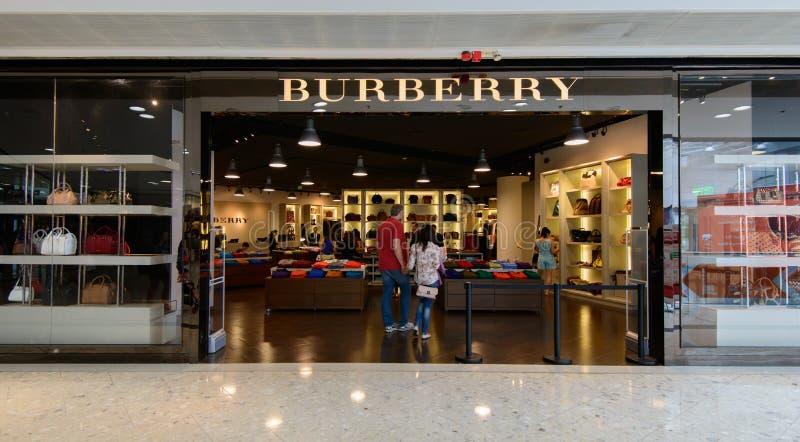 Burberrywinkel bij de Afzet van de Stadspoort stock fotografie