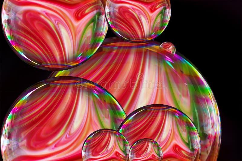 Burbuja de jabón con las pinturas líquidas coloridas mezcladas junto creando el modelo colores del arco iris en fondo negro ilustración del vector