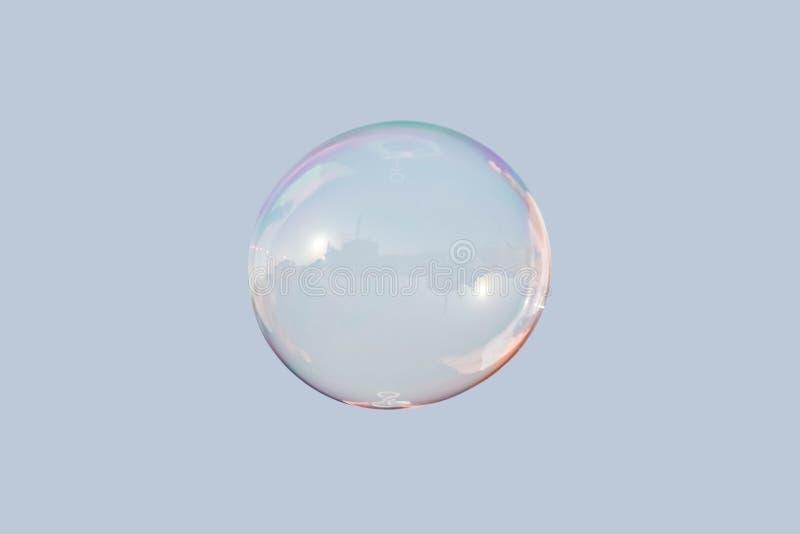 Burbuja de jabón en el cielo aislado fotografía de archivo libre de regalías