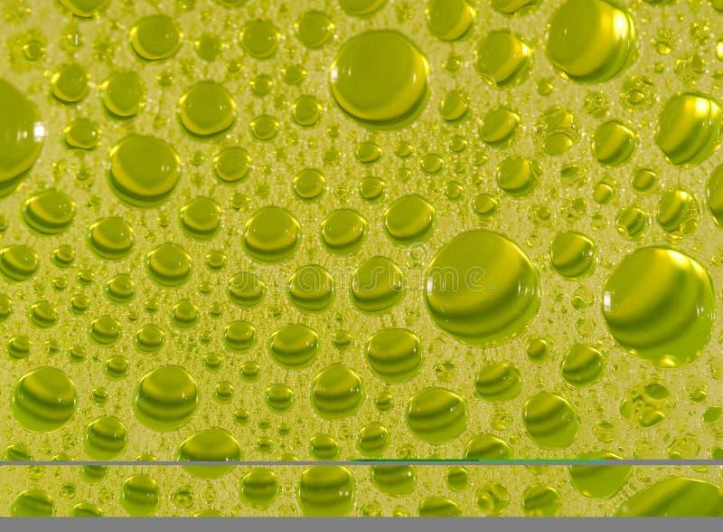 Burbujas detergentes diluidas en vidrio fotos de archivo libres de regalías