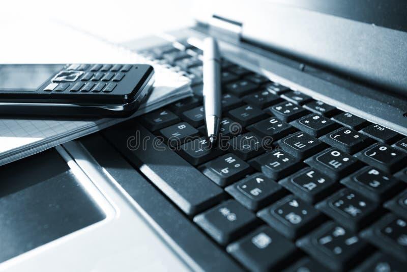 Bureau, bedrijfstoebehoren stock afbeeldingen