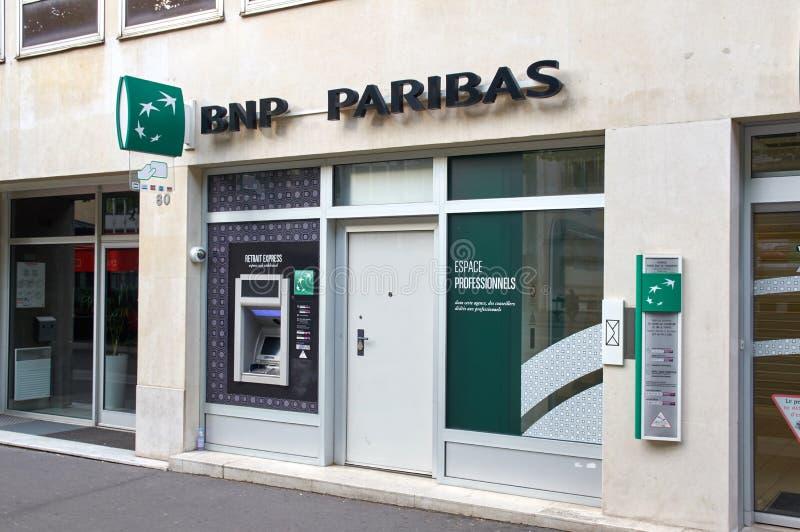 Bureau de banque de BNP Paribas à Paris photo libre de droits