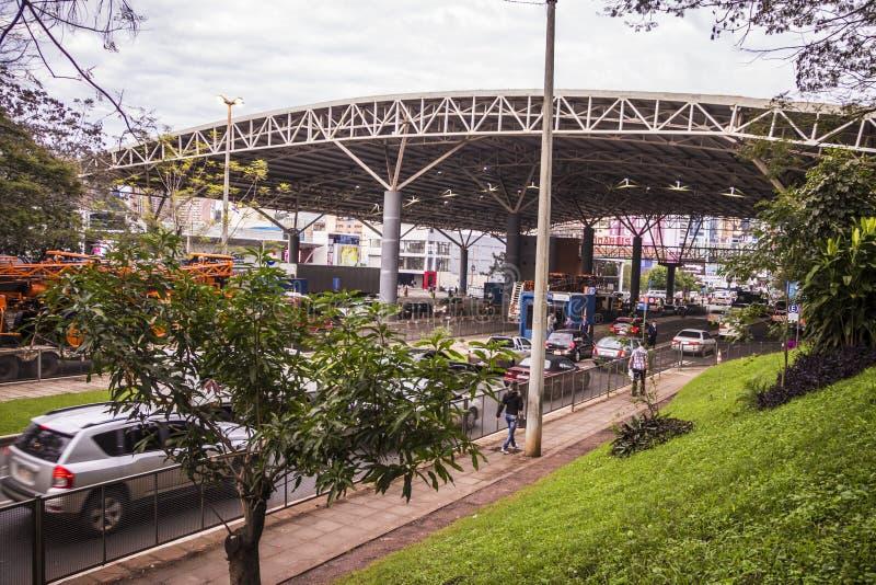 Bureau de douane à Ciudad del Este - au Paraguay photo stock