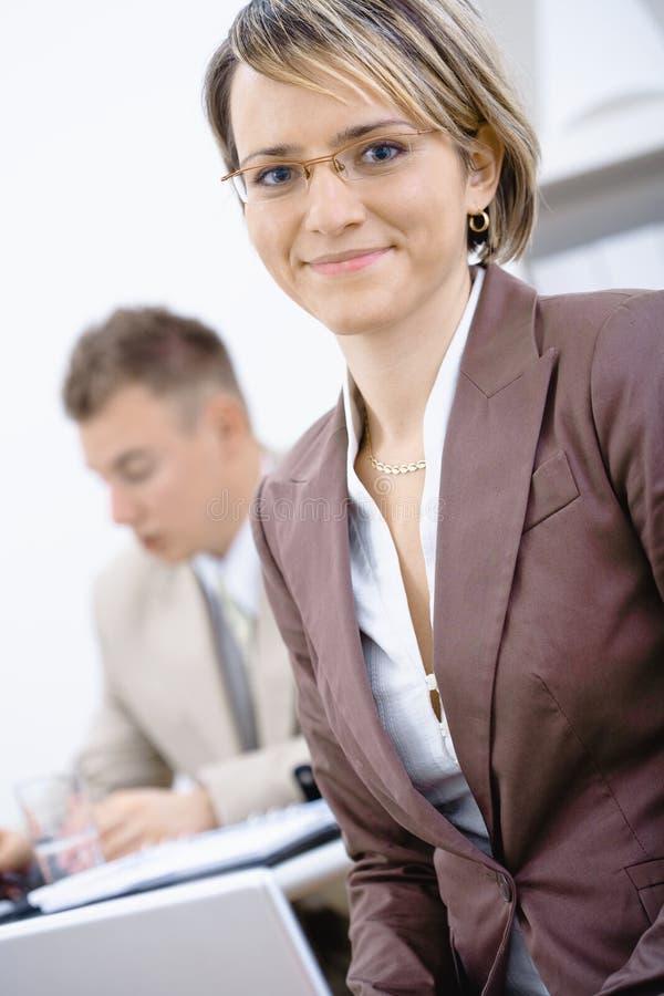 bureau de femme d'affaires images stock