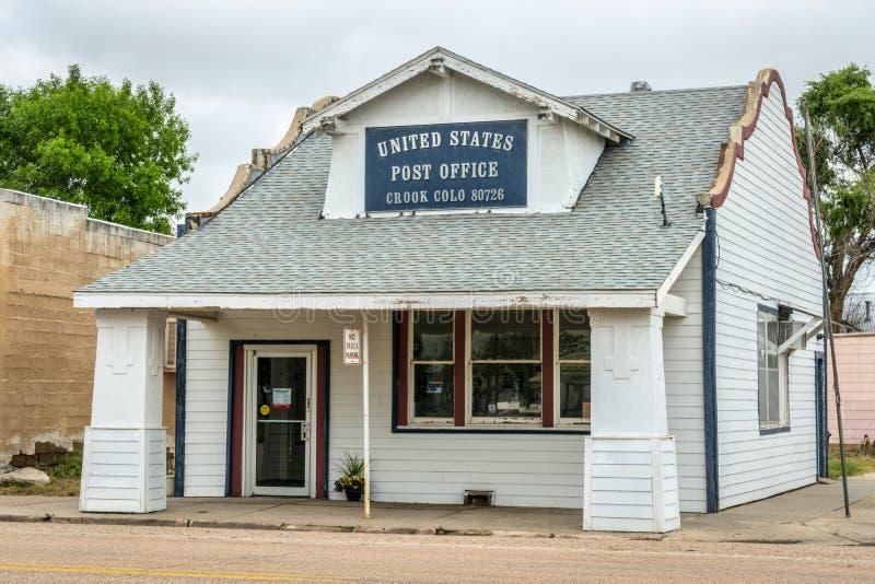 Bureau de poste dans la petite ville rurale photos libres de droits