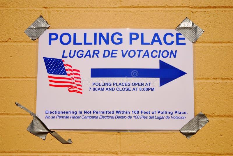 Download Bureau de vote image stock. Image du élisez, électeur - 4350215