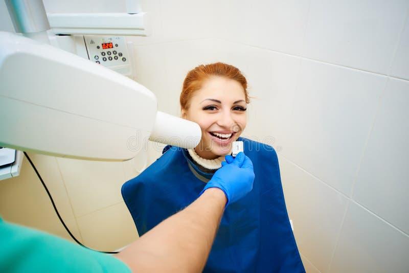 Bureau dentaire, art dentaire, soins dentaires, examen médical photographie stock libre de droits