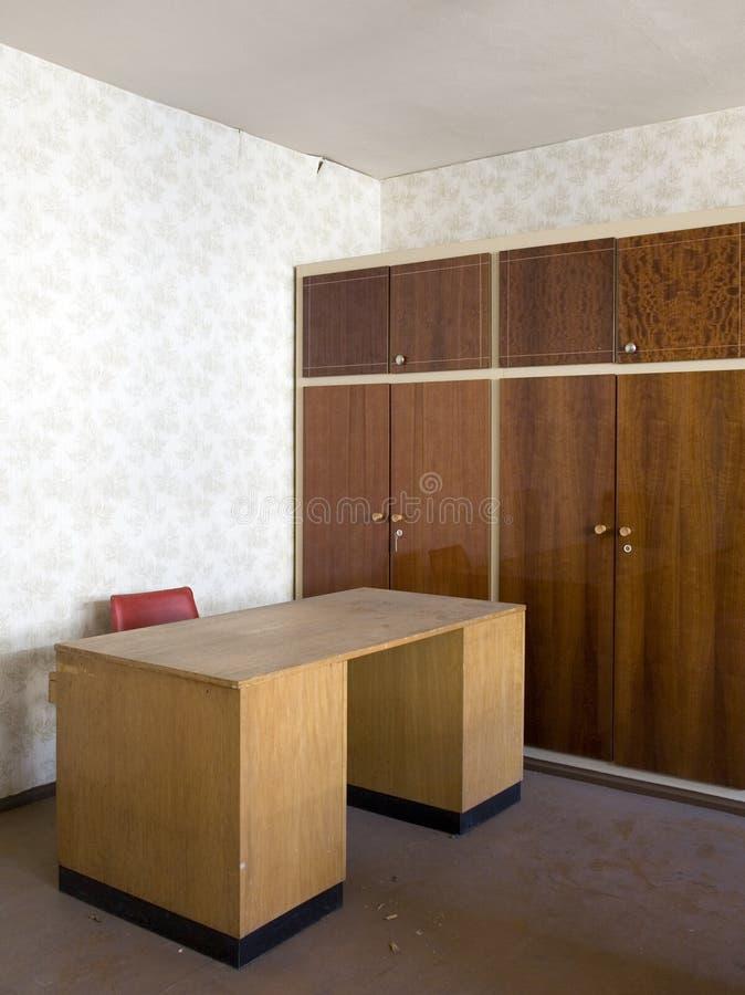 Download Bureau in een leeg bureau stock foto. Afbeelding bestaande uit werkplaats - 39101412