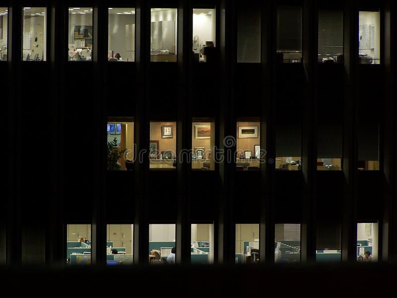 Bureau la nuit photo stock