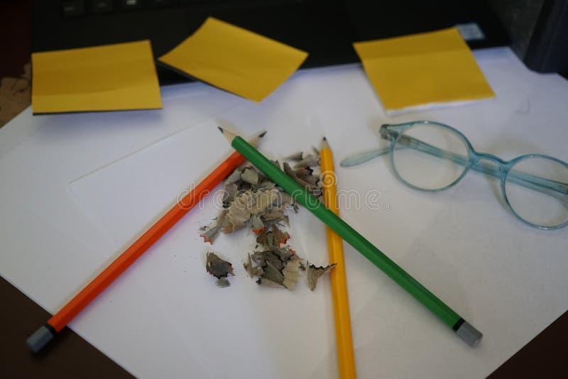 Bureau ou fournitures scolaires image libre de droits