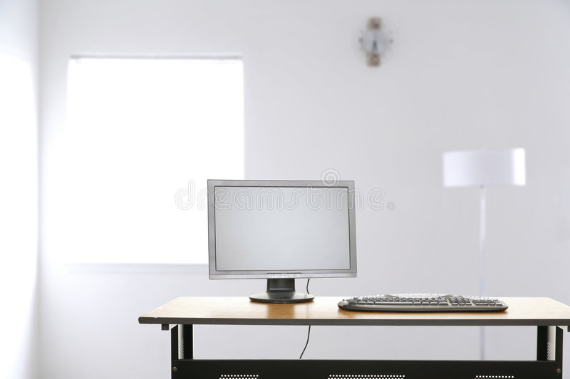 bureau vide image stock image du corporate soci t ordinateur 4729187. Black Bedroom Furniture Sets. Home Design Ideas