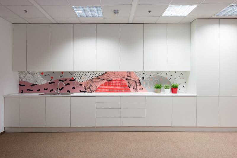 Bureaubinnenland door Kivvi architecten, Bratislava, Slowakije wordt gecreeerd dat royalty-vrije stock afbeeldingen