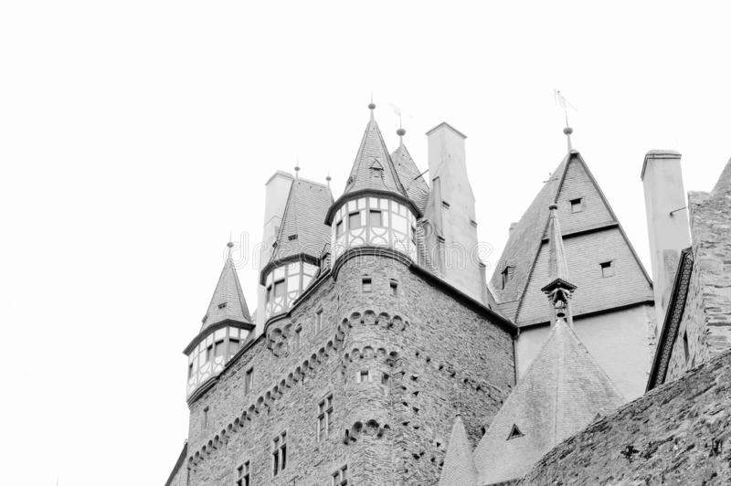 Burg Eltz, Allemagne : Vue du château d'Eltz de burg dans la forêt images stock