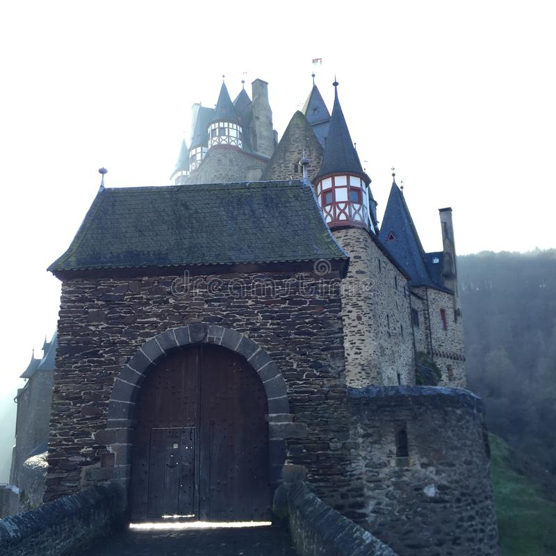Burg Eltz - château en Allemagne images stock