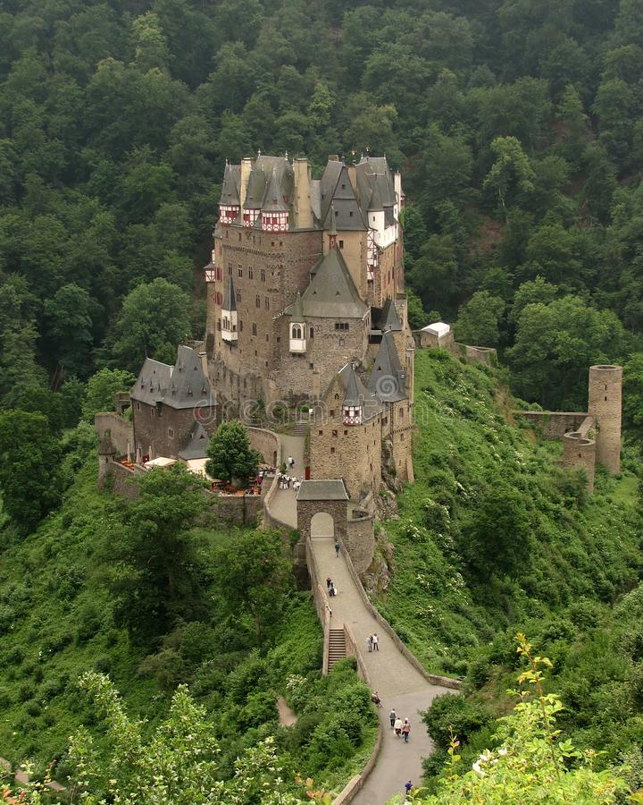Burg Eltz, Deutschland lizenzfreie stockfotos