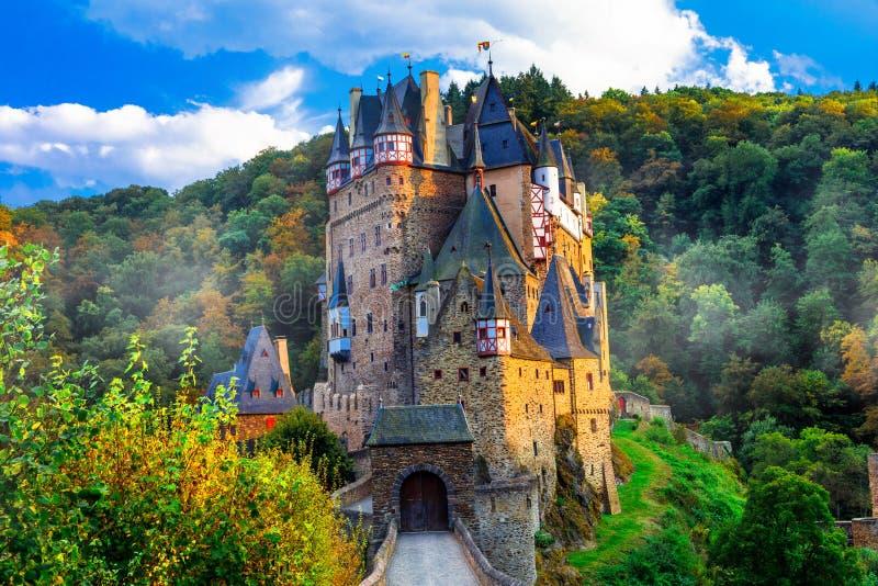 Burg Eltz - jeden piękni kasztele Europa Niemcy zdjęcie royalty free