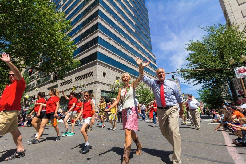 Burgemeester Charlie Hayes en Presidentsvrouw Nancy Hales stock foto's