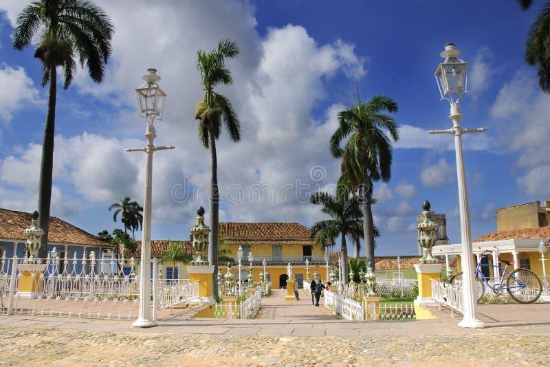 Burgemeester van het plein in de stad van Trinidad, Cuba stock foto