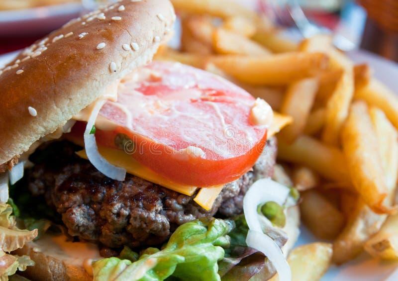 Burger des amerikanischen Käses lizenzfreies stockbild