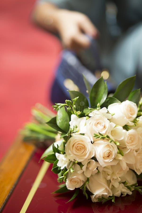 Burgerlijk huwelijks bruids boeket stock foto