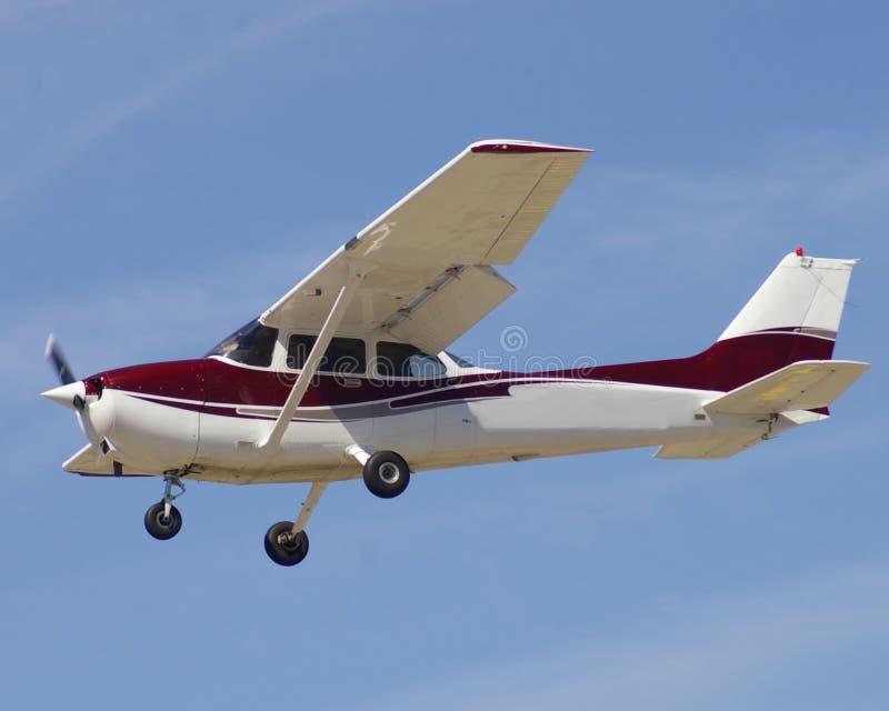 Burgerlijke vliegtuigen op benadering royalty-vrije stock afbeeldingen