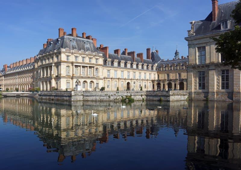 Burggraben des Chateaudes Fontainebleau lizenzfreies stockfoto