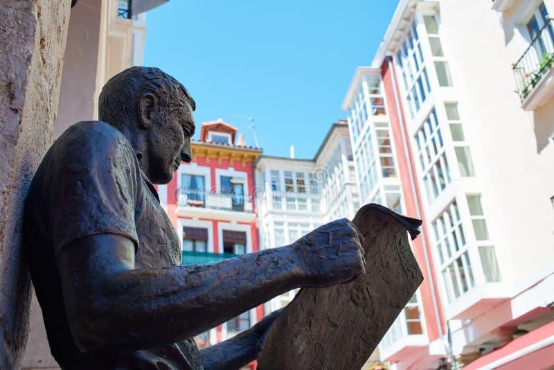 Burgos statua Hiszpania lub gazetowy czytelnik zdjęcie royalty free