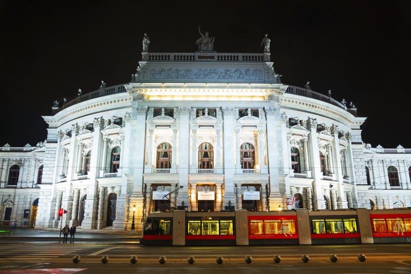 Burgtheater byggnad i Wien, Österrike arkivfoton