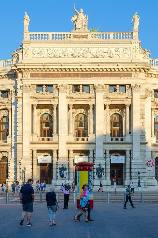 Burgtheater kunglig teater på slotten, domstolen och den nationella teatern, Wien, Österrike royaltyfri fotografi