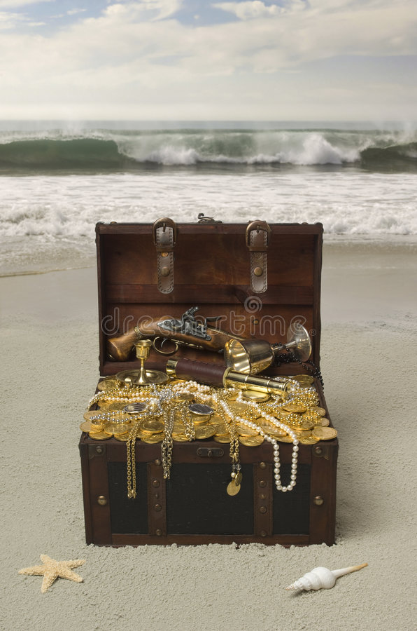 Free Buried Treasure Stock Photography - 5122072