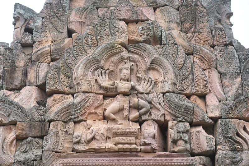 Buriram, Tailândia-8 de dezembro de 2019: Alívio de deuses em Phnom Rung, templo Khmer de Buriram em vulcão, na Tailândia foto de stock