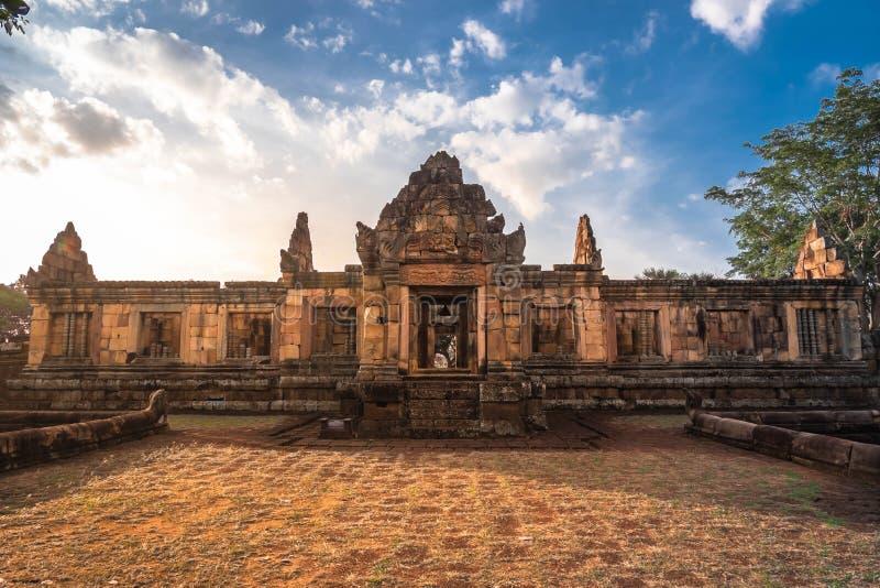 BURIRUM THAILAND - DECEMBER 07, 2018: PRASARTHIN MUANGTAM eller STENSLOTTEN MUANG TAM på det Prakhonchai området arkivbild