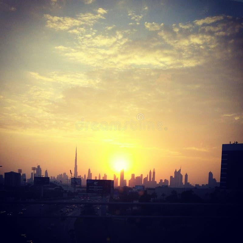 burj ήλιος βραδιού του Ντουμπάι khalifa στοκ φωτογραφίες