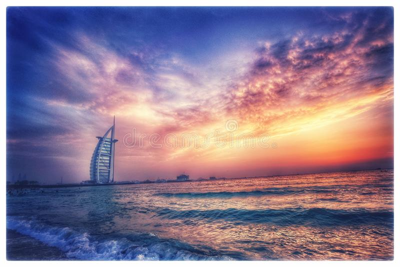 Burj-Alrarab no por do sol fotografia de stock