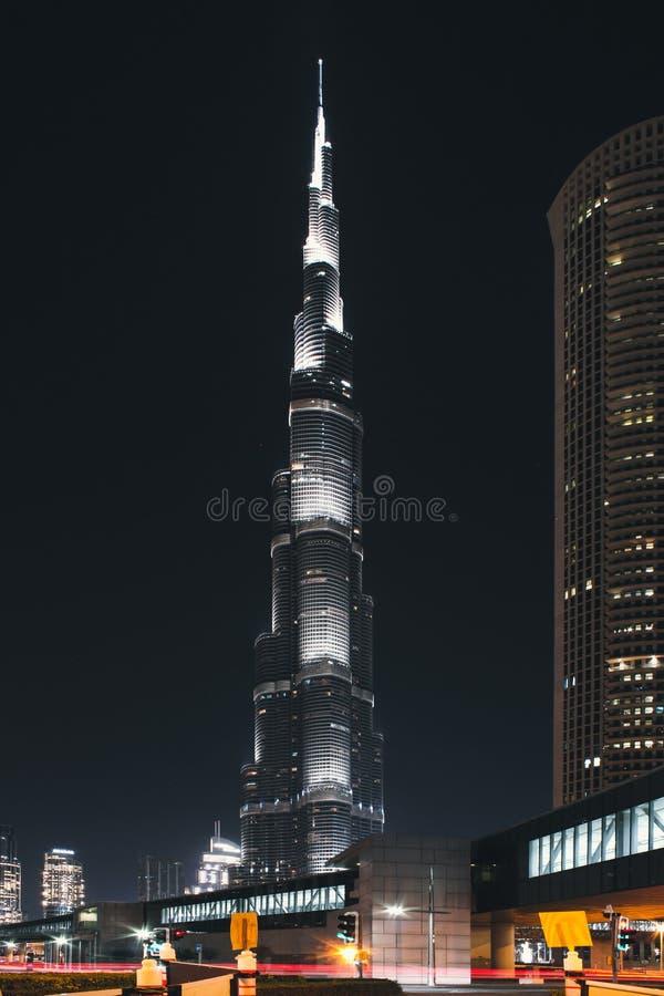 Burj Khalifa накаляет вечером Городской Дубай на мае 2019 стоковая фотография rf