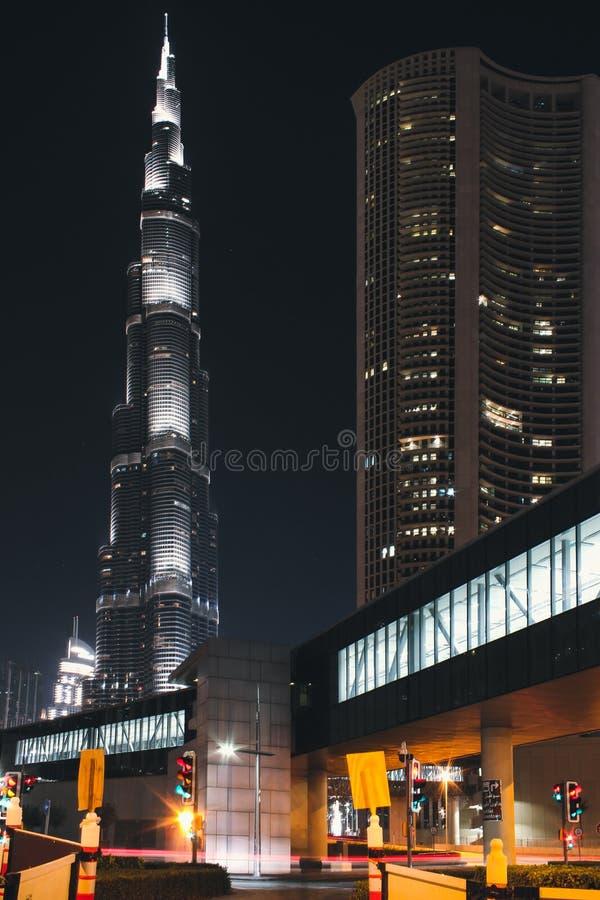 Burj Khalifa накаляет вечером Городской Дубай на мае 2019 стоковое фото
