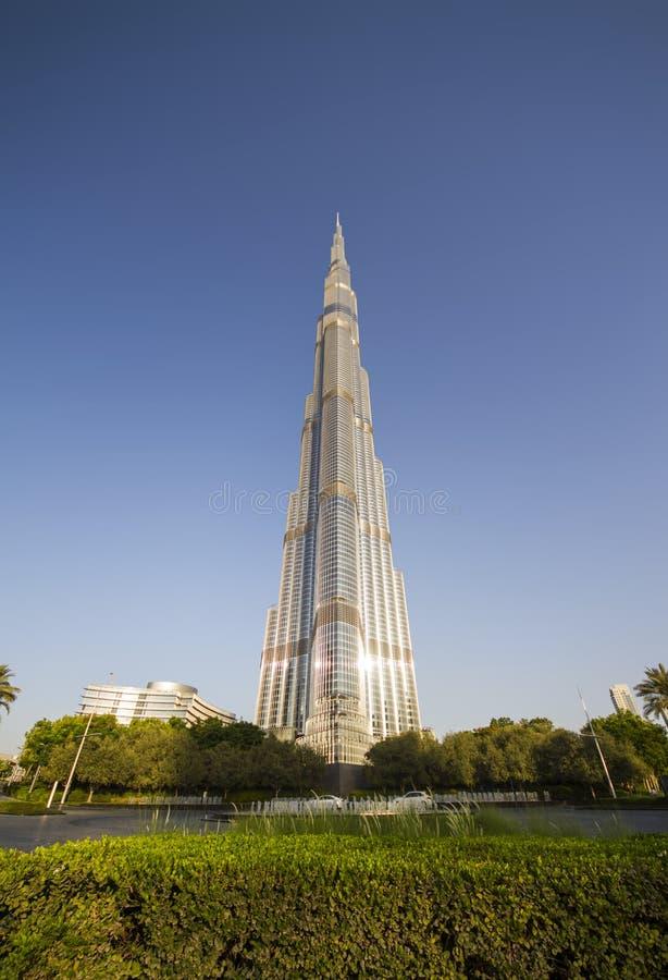 Burj Khalifa in Doubai - de langste bouw in de wereld stock fotografie