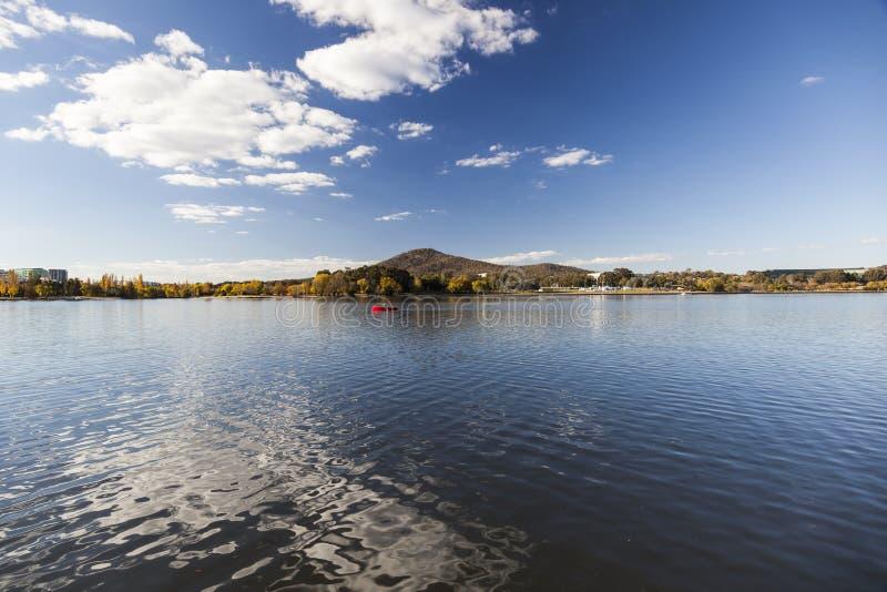 Burley Griffin Lake. Canberra. L'Australia immagini stock libere da diritti