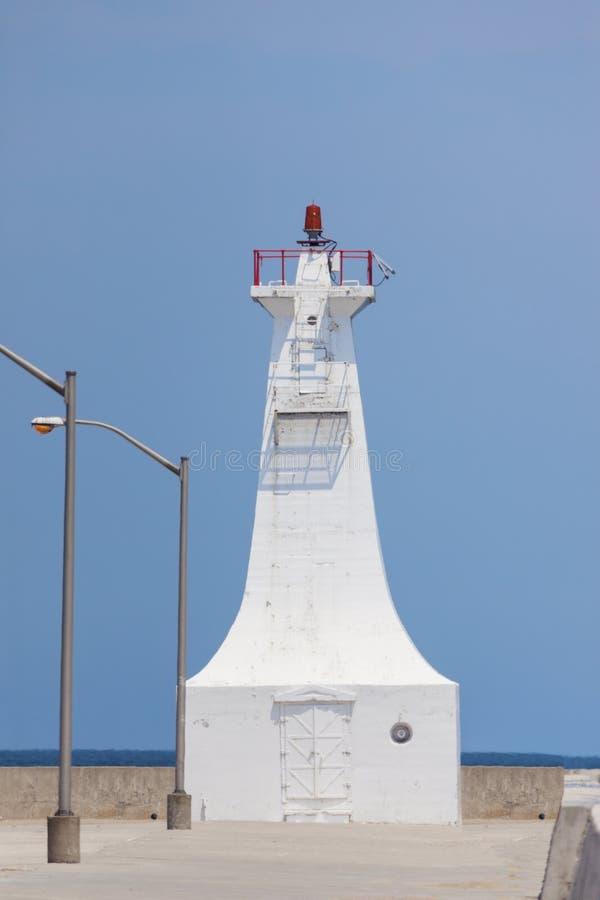 Burlington kanal Pier Lighthouse vid Lake Ontario royaltyfri bild