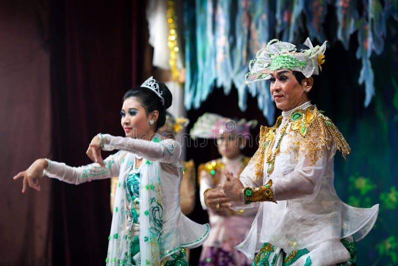 Burmese Dance - Asian Traditional Theatre and Dance. YANGON, MYANMAR - JANUARY 25: Actors performing traditional Burmese dance on evening show in Karaweik Hall royalty free stock images